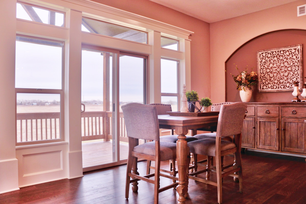 Carlee dining room